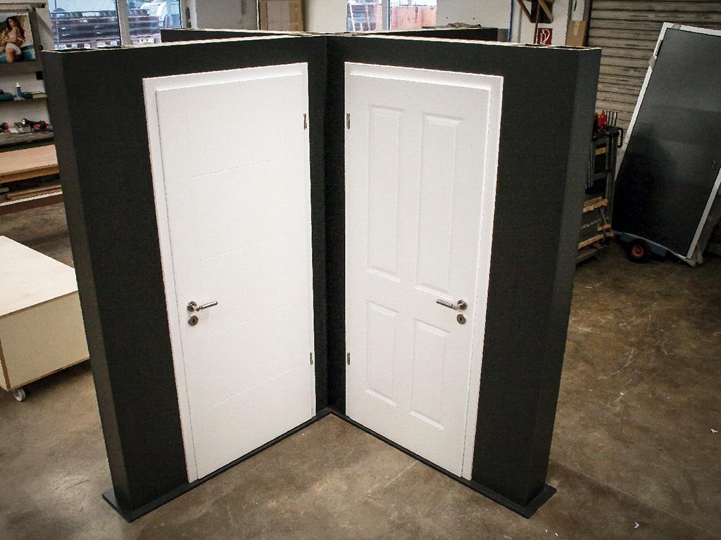 Zimmertüren anthrazit  Verkaufsständer für Zimmertüren | Tischlerei Friehe